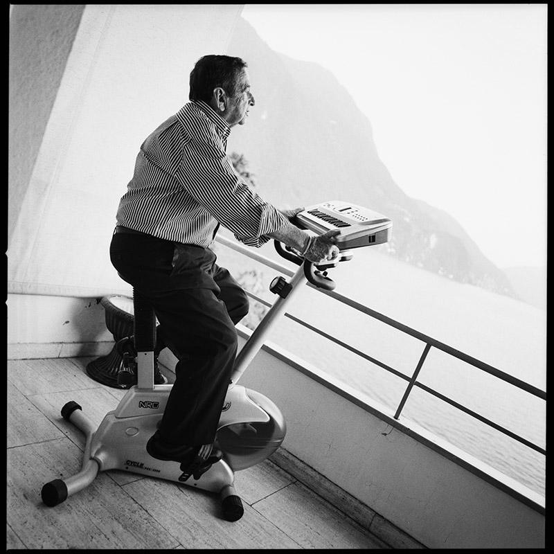 Vom Raumschiff Orion vor meine Linse! * Peter Thomas in Lugano im Sommer 2008 * Rossi Photography * Kuenstlerporträts und Hochzeiten * Dein Fotograf für Gießen, Hessen, Deutschland