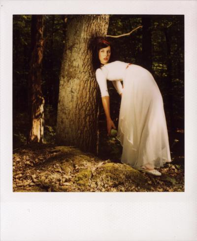 Schneewittchen goes Polaroid! Featuring Sophie auf Polaroid SX-70-Film * Rossi Photography * Portraits, Hochzeitsfotos, Polaroids