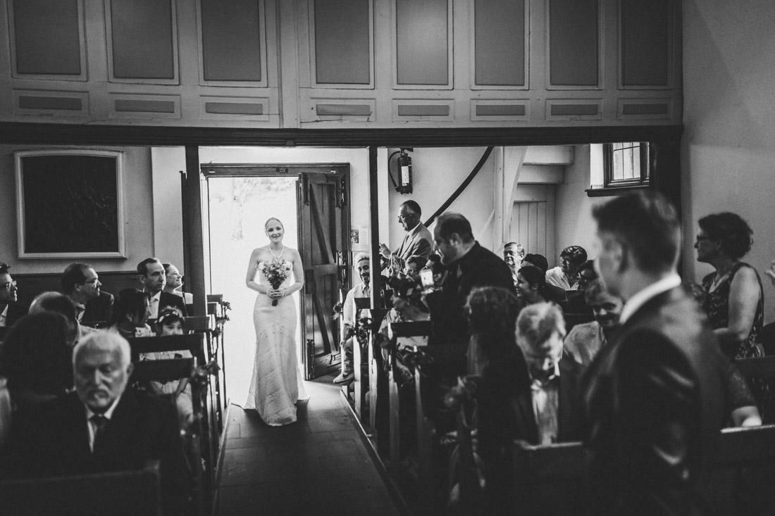 Hochzeit in der Kapelle Wischlingen - Hochzeitsfotograf Dortmund und Ruhrpott - Lebendige und ehrliche Hochzeitsreportagen