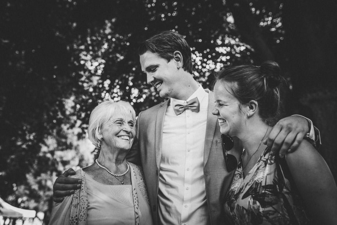"""Hochzeit in der Event-Scheune """"Blauer Löwe"""" im Landhotel Waldhaus in Laubach * Rossi Photography * Euer Hochzeitsfotograf Rossi Photography * Standesamtliche Hochzeit im Schlosspark Buseck"""