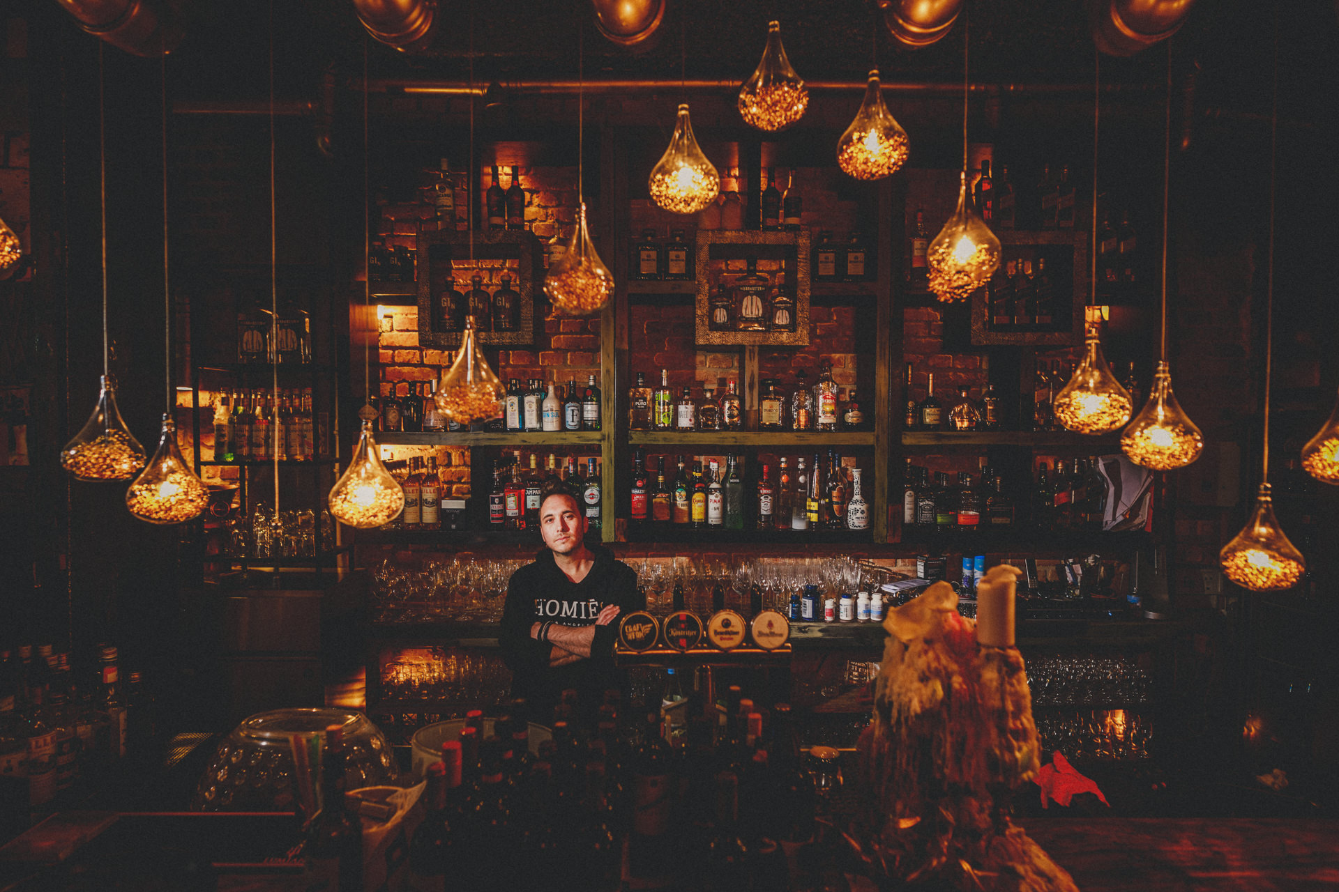ALLES AUF STOP - Die Gesichter hinter den Schicksalen der Corona-Krise - Ein lokales Zeitdokument - Portraet-Serie - Corona Fotograf Giessen, Marburg, Wetzlar - 01