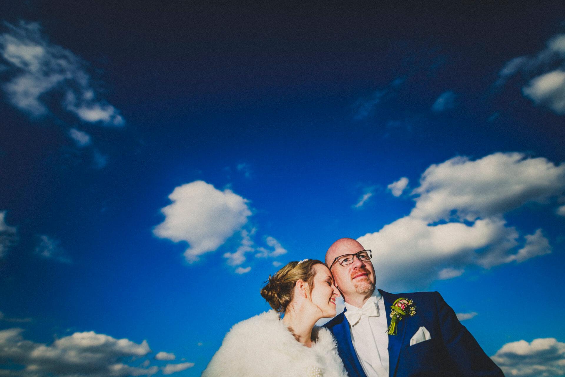 Hochzeitsfotograf Lollar - Hochzeitslocation Burg Staufenberg - lebendige und kreative Hochzeitsreportagen - Paarfotos auf der Burg