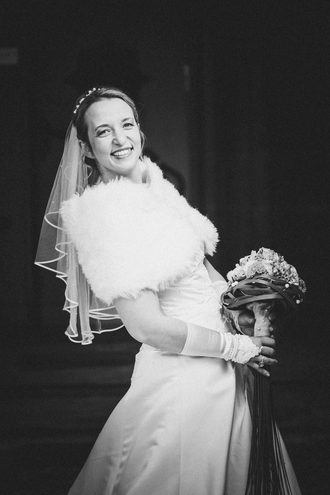 Hochzeitsfotograf Hofgut Friedelhausen - Hochzeitsfotos Schloss Friedelhausen - Kreative Hochzeitsfotografie