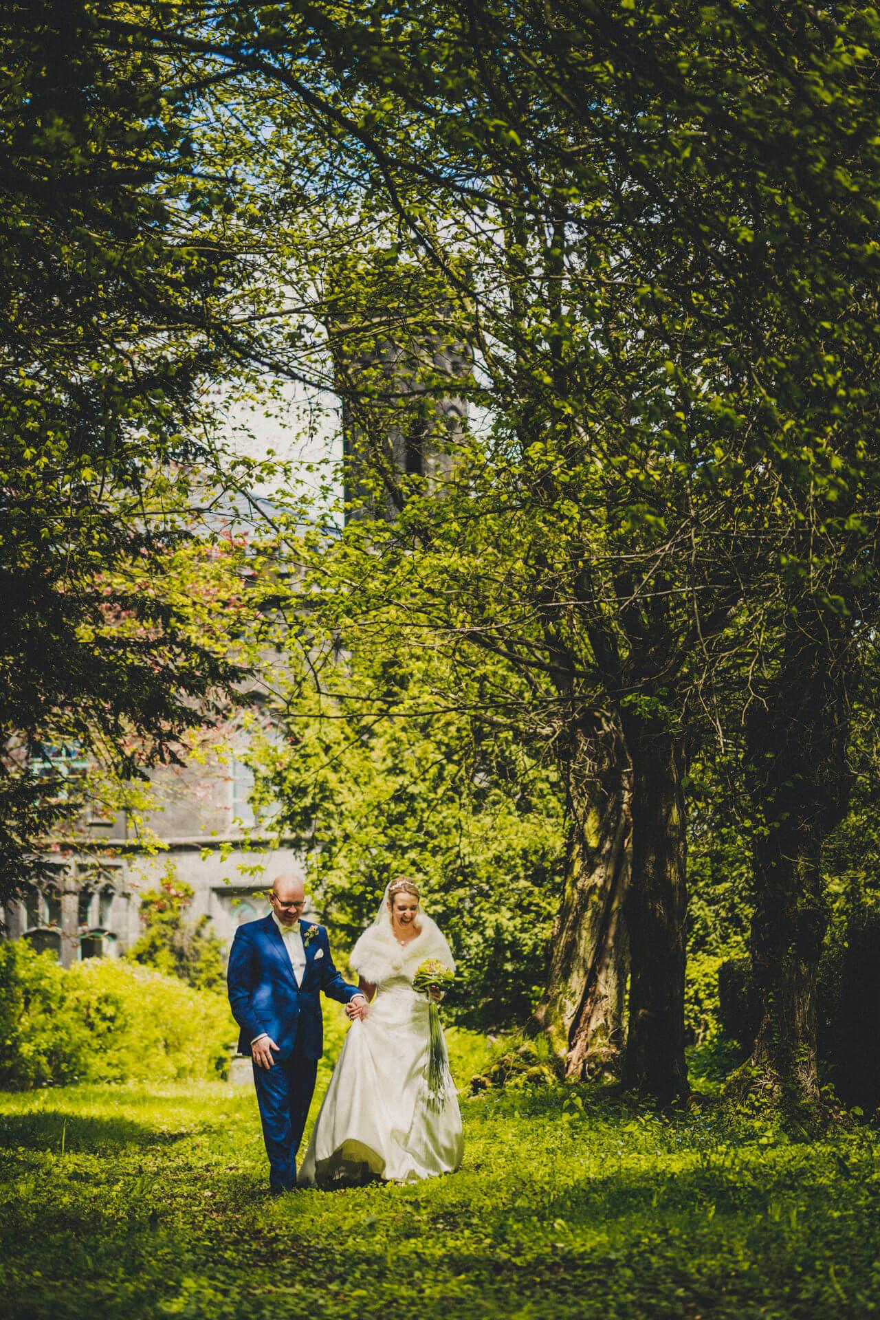 Hochzeitsfotograf Hofgut Friedelhausen - Hochzeitsfotos Schloss Friedelhausen - Hochzeitsporträts vorm Schloss