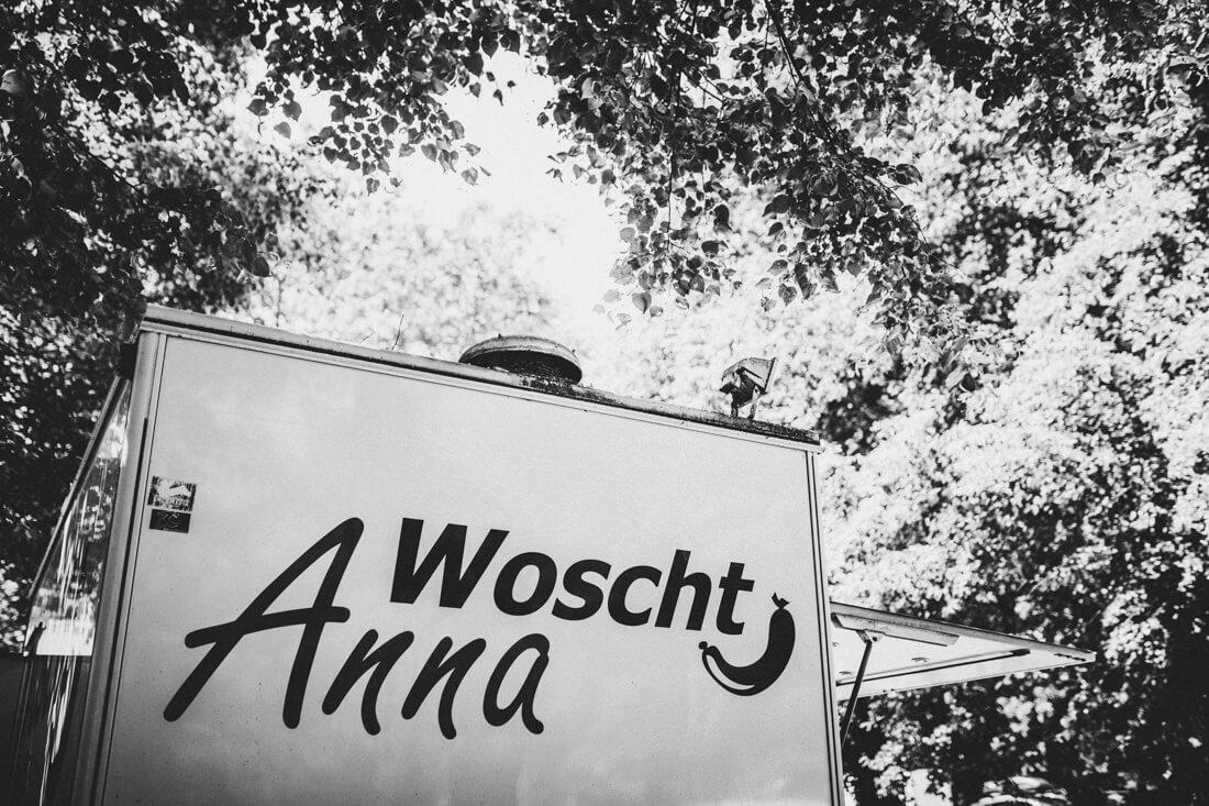 """die """"woscht-anna"""" an ihtem alten standort in der naehe des standesamts giessen"""