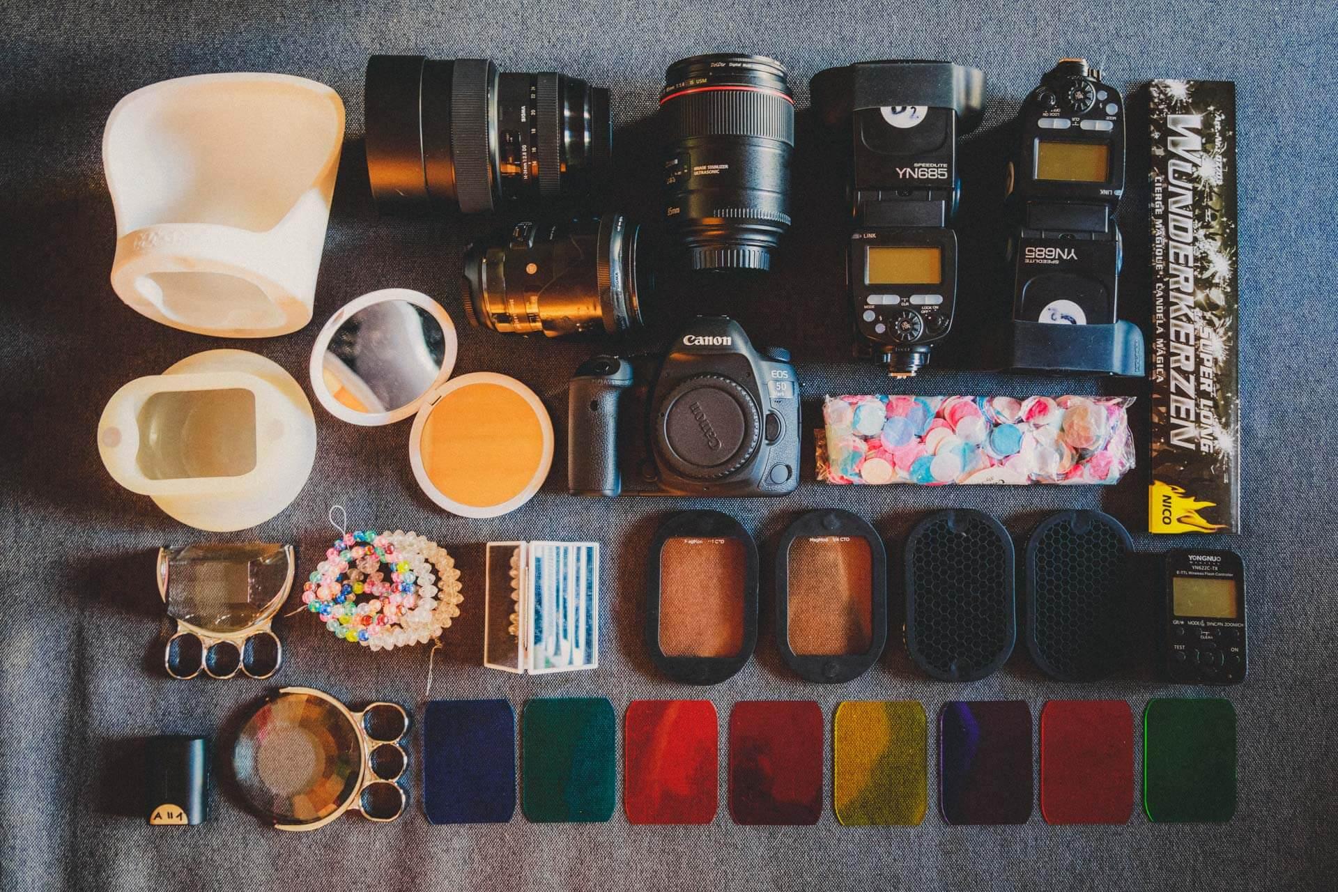 """meine """"minimal""""-ausruestung, die in die tenba-schultertasche passt - was ist in meiner fototasche, what´s in my bag"""