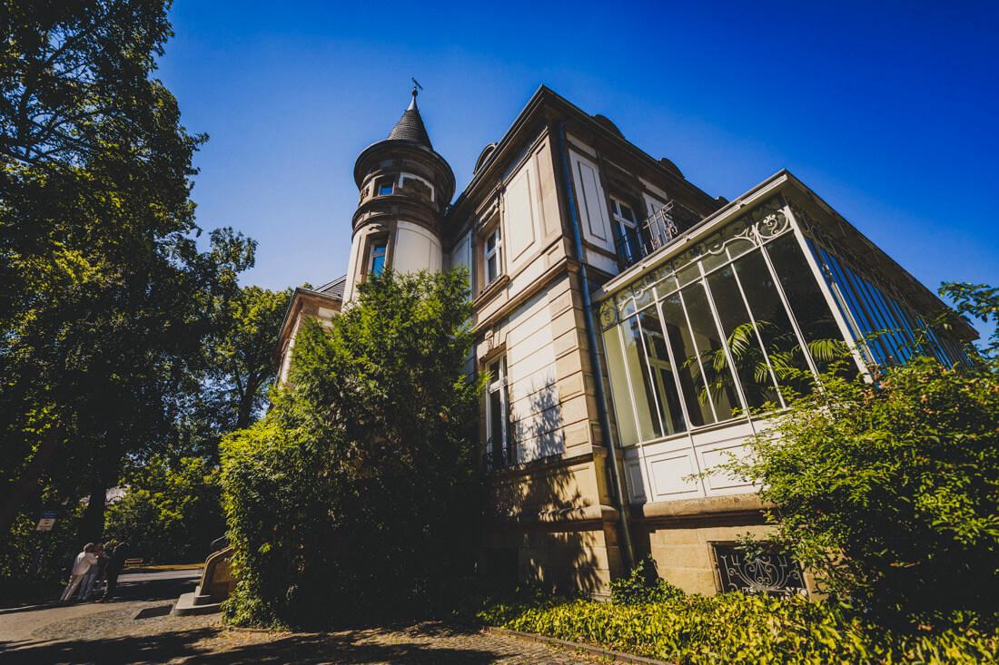 historisches gebaeude villa leutert, standesamt giessen, tiny wedding, corona-hochzeit fotograf