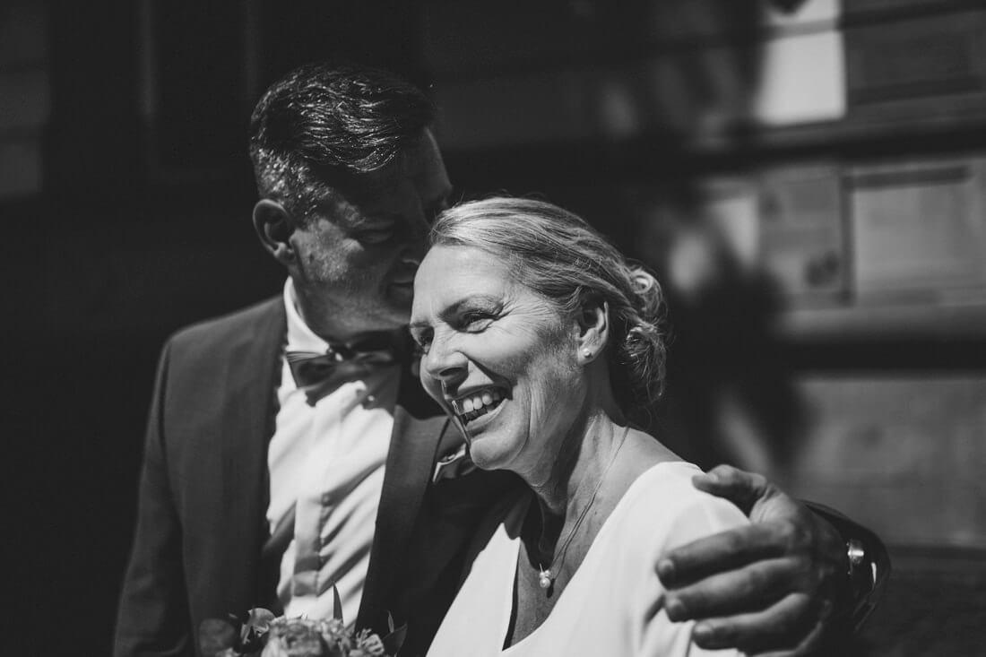 tiny wedding im standesamt giessen, corona-hochzeitsfotograf